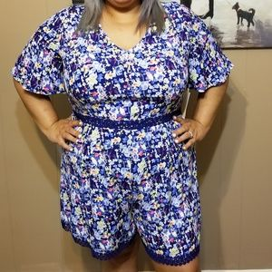 02f8c31398e blue floral romper with lace trimming. NWT.  30  85. Size  XL · Gibson  Latimer